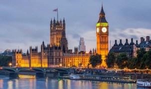 9. Inggris - Investor dari zona Euro aktif merambah sektor keuangan yang menjadi tulang punggung perekonomian Inggris. Kendati rencana referendum soal keanggotaan Inggris di Uni Eropa 2017 mendatang, London masih dianggap sebagai pusat keuangan dan pertukaran modal paling menjanjikan di dunia.